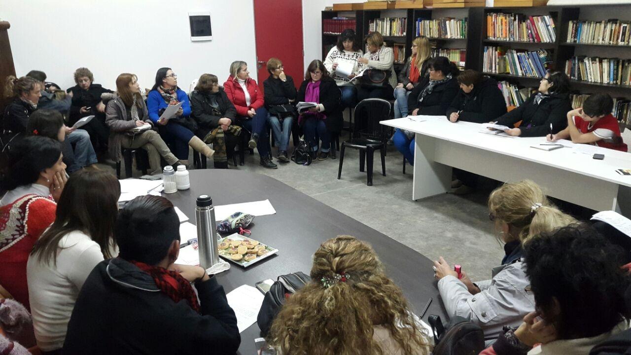 El Consejo Municipal de la Mujer se reunió en el Tito Alberti