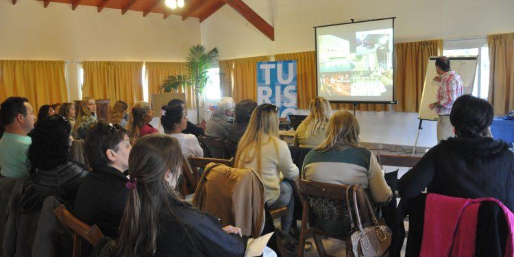 Municipio y AEHG organizan curso de marketing para el sector gastronómico-hotelero