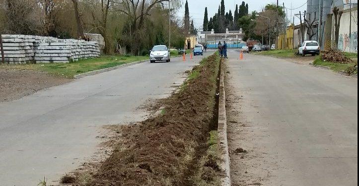 Municipio coloca bajo tierra los cables de iluminación en la avenida Perú
