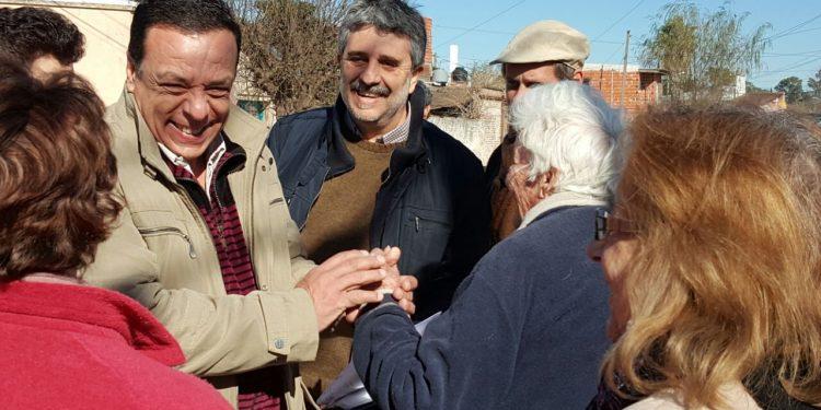 Cáffaro recorrió las obras de pavimentación en los barrios Bayer y 25 de Mayo