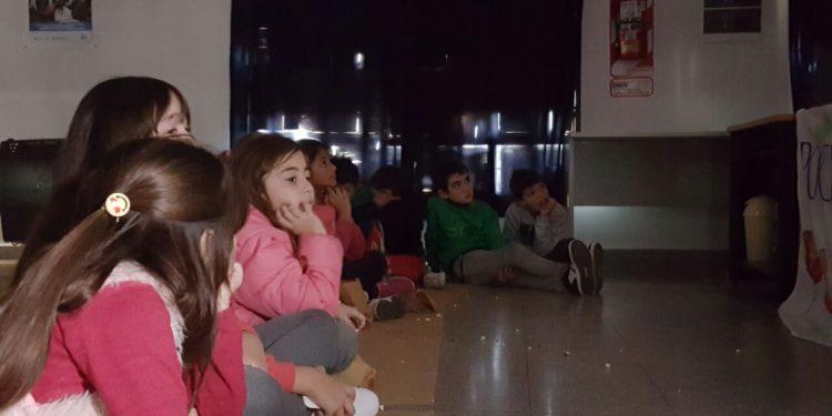 """El programa """"Cine con pochoclo"""" comenzó en Lima"""