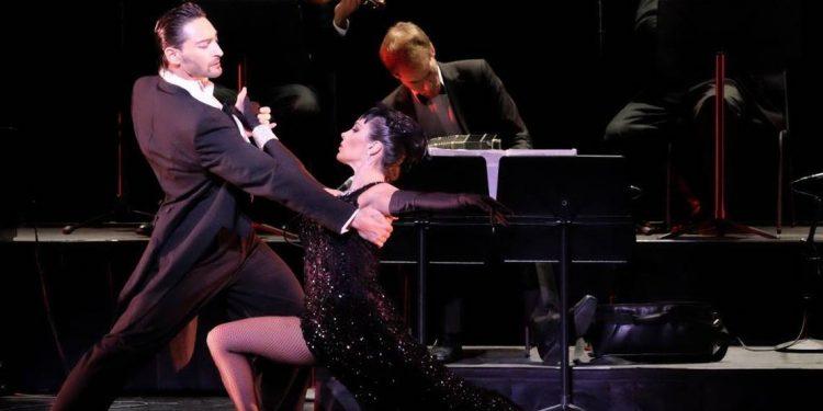 """Milonga en el """"Tito Alberti"""" con bailarines de """"Forever Tango"""""""