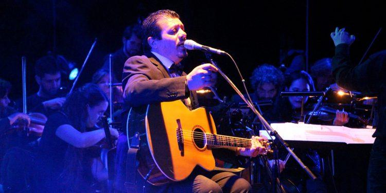 Bonuccelli presentó su nuevo material en el Teatro Coliseo