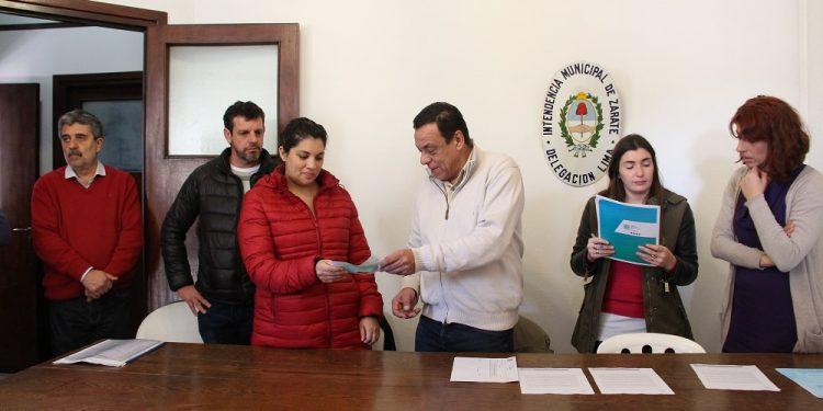 Cáffaro entregó subsidios para barrios de Lima