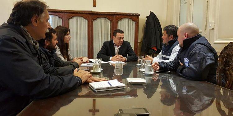 Emergencia laboral: Cáffaro recibió a UOCRA y a UECARA