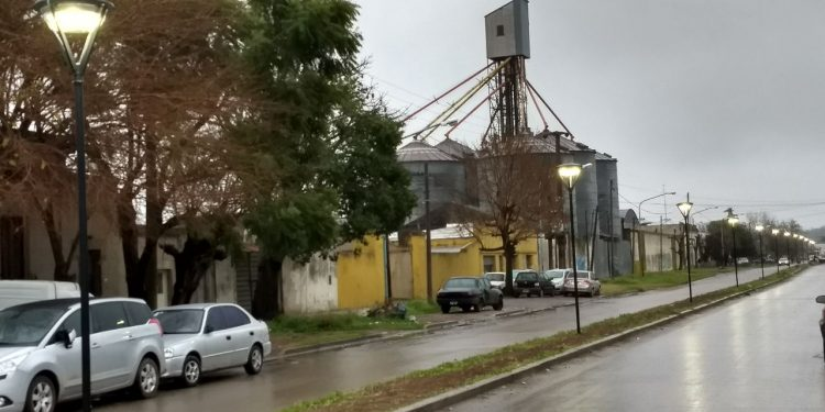 Municipio comenzó período de prueba de iluminación en la avenida Perú