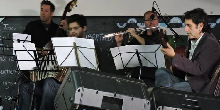 El Quinteto de tango y el Ballet Folclórico se presentaron en Capilla