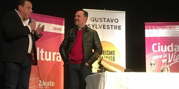 Gustavo Sylvestre presentó su último libro ante un Forum repleto