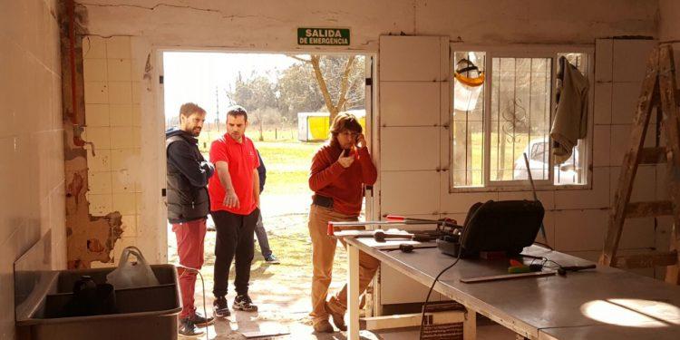 Continúa realizándose la obra en la Escuela Agraria El Tatú