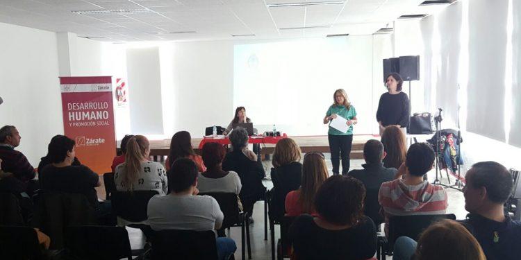 Se realizó una charla sobre adopción en el Tito Alberti