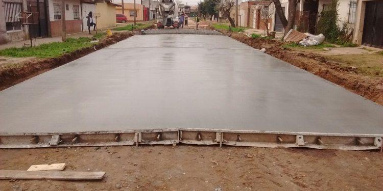 Avanzan obras de pavimentación en diferentes zonas