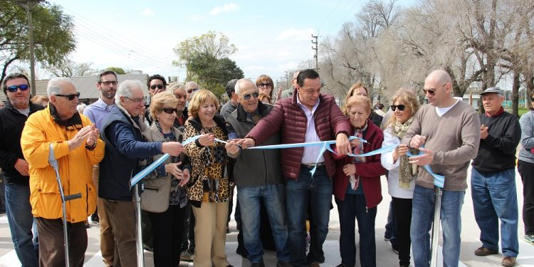 Cáffaro inauguró la avenida Teodoro Fels y anunció más obras para esa zona de la ciudad