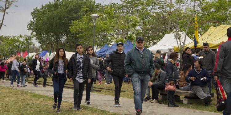 Expo Colectividades en el Parque Urbano con el gran cierre de Ráfaga