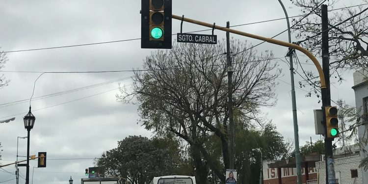 Municipio coloca nuevos nomencladores en las avenidas