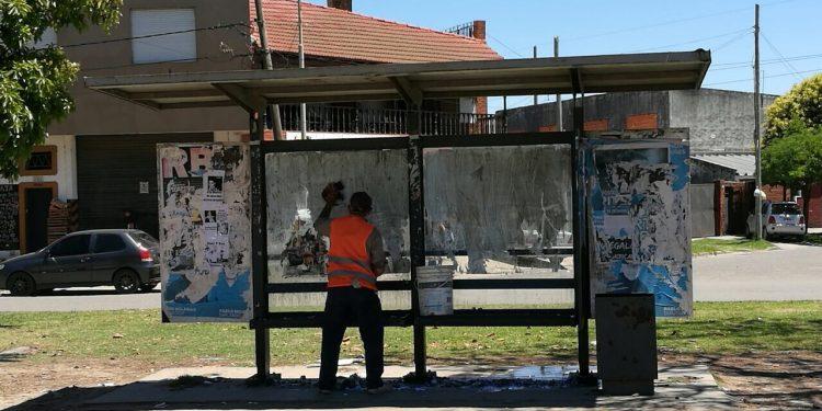 Municipio sigue reparando mobiliario urbano