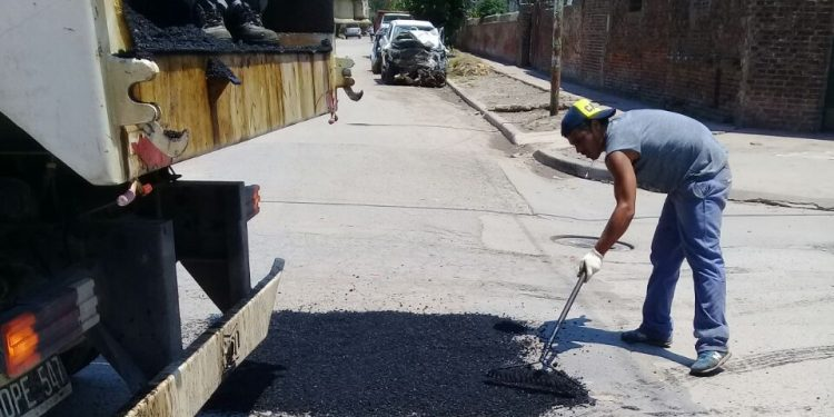 Municipio trabaja en el arreglo de calles