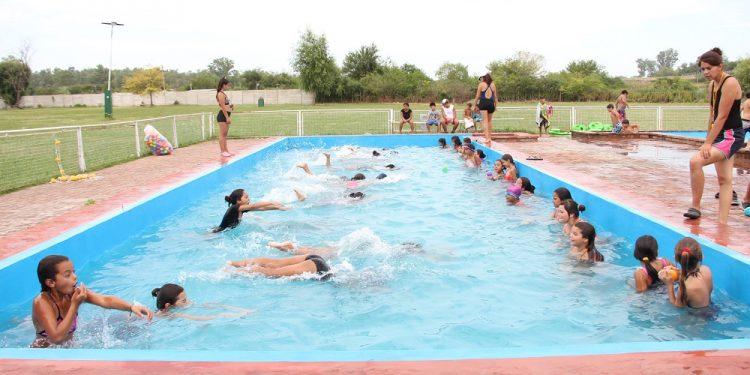 """Continúa de manera exitosa el Programa Verano al Agua"""""""