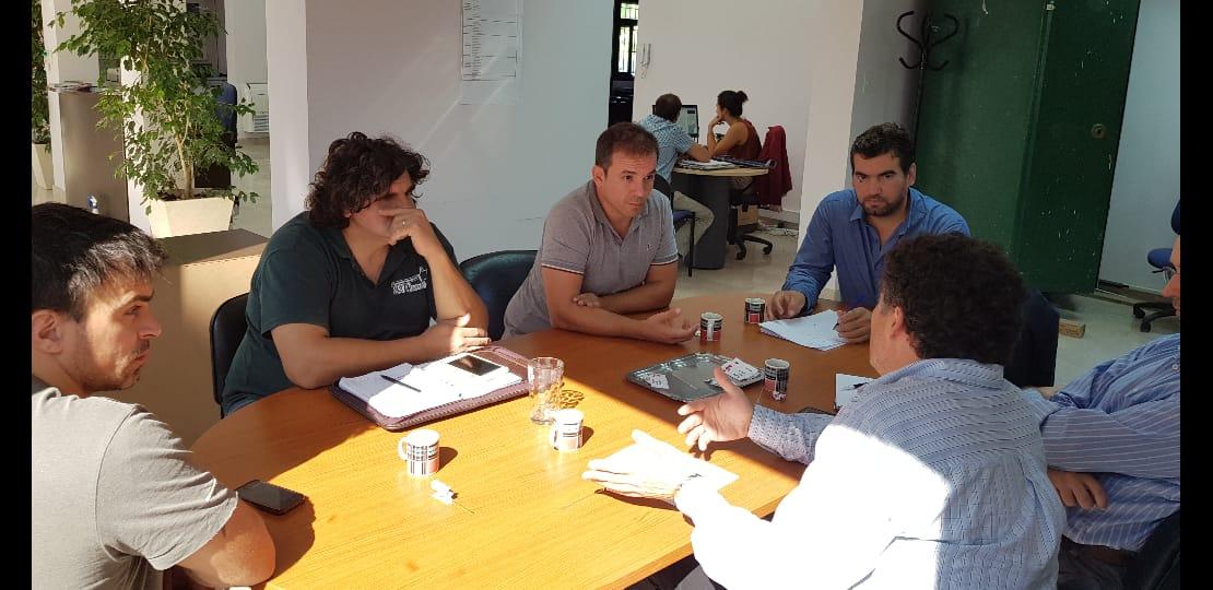 Municipio se reunió con dirigentes del Centro del Comercio e Industrias
