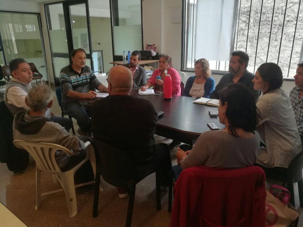 Funcionarios municipales se reúnen con vecinos de diferentes barrios para mejorar la prevención