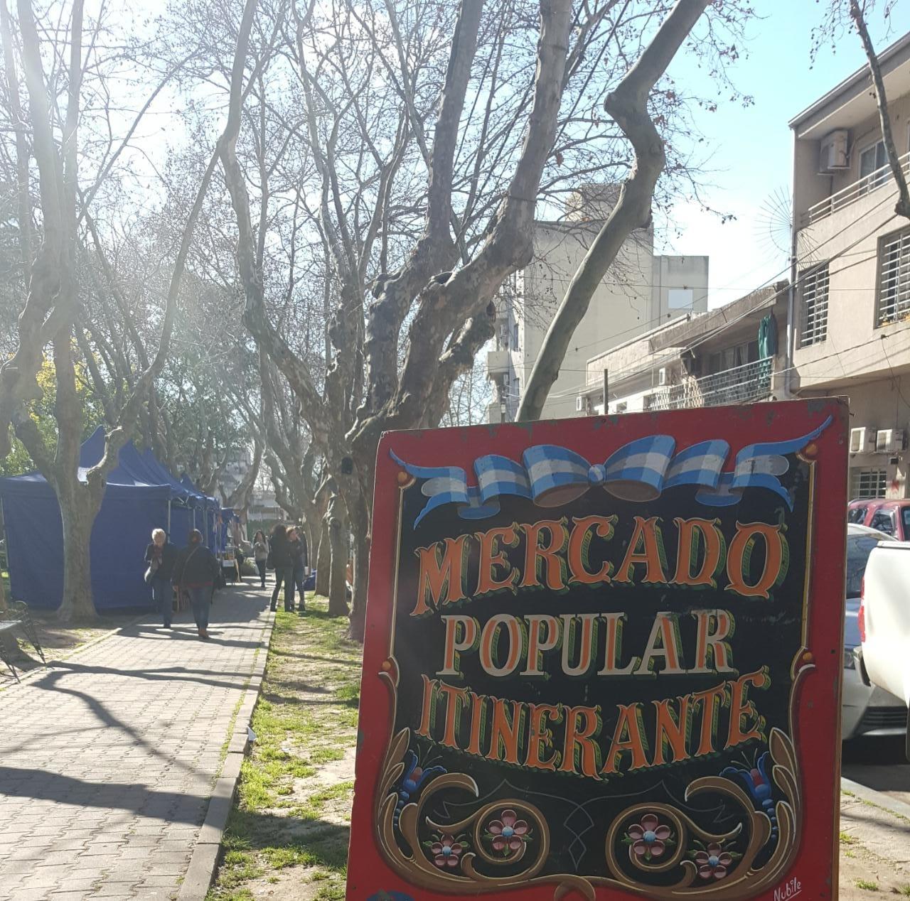 ElMercadoPopularItinerante estuvo en la Plaza Italia