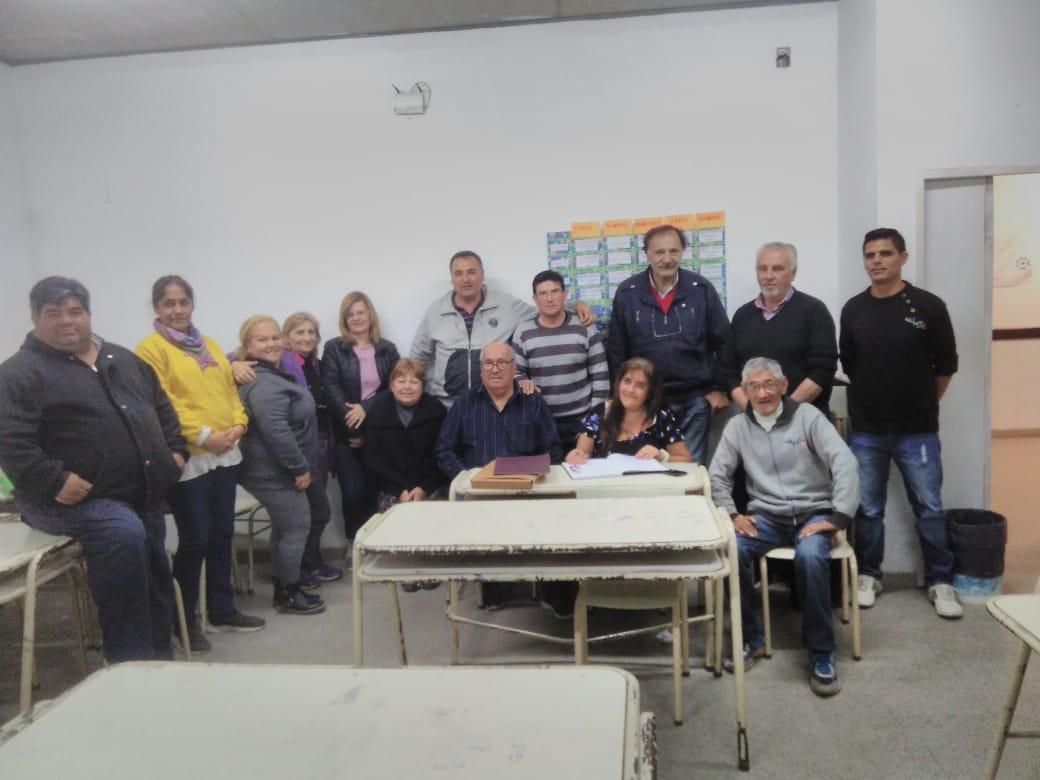 Con la asistencia de funcionarios municipales, Barrios Unidos renovó autoridades