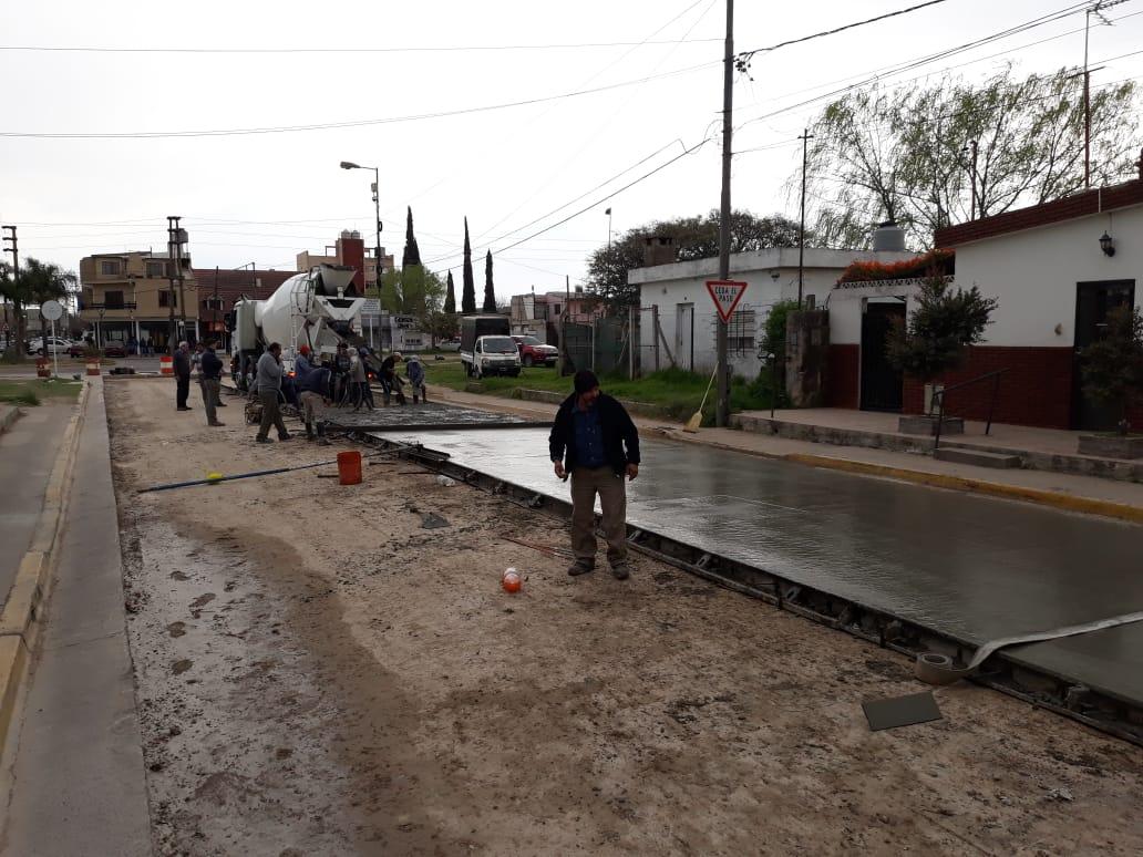 Municipio realiza obra de pavimentación sobre avenida Gallesio en menos tiempo