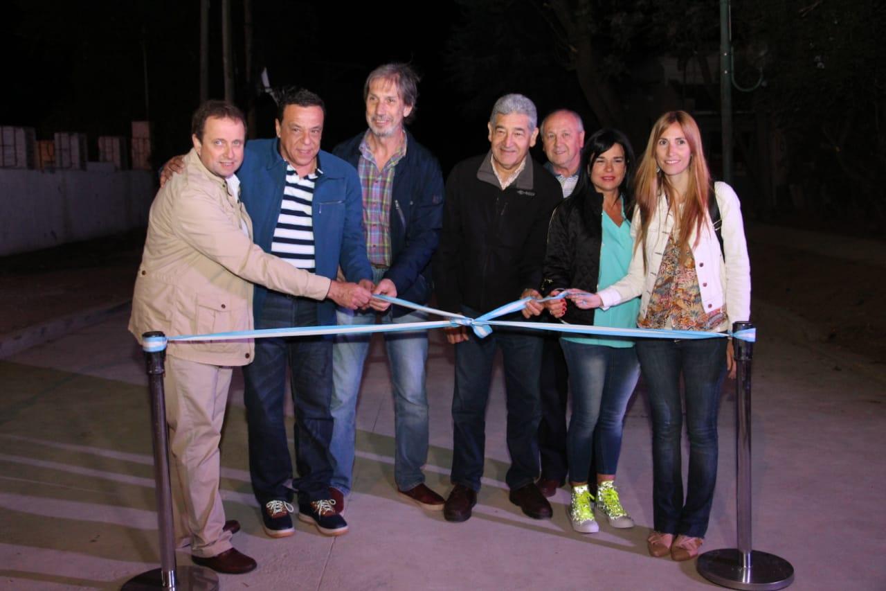 Se inauguró el asfalto en las barrancas de Ituzaingó e Independencia
