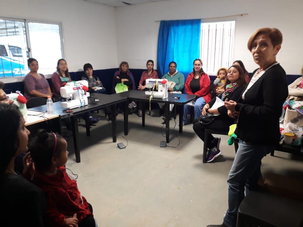Más de 100 vecinos comenzaron los talleres de oficio en los CEPAM