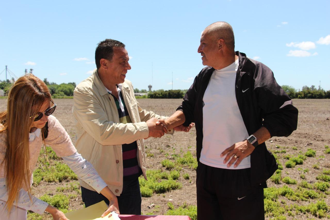Municipio cede terreno al club Social Lima 2013