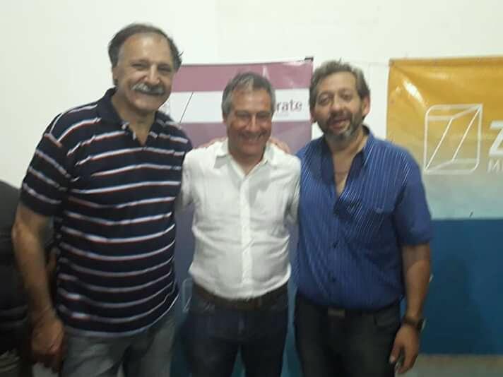 El Municipio recibió a Ariel Holan, técnico de Independiente