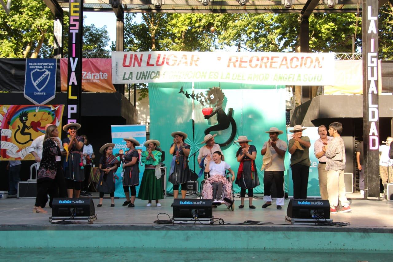 La Plaza Italia fue una fiesta con el Festival por la Igualdad