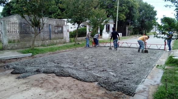 Avanza la pavimentación de calles en Lima