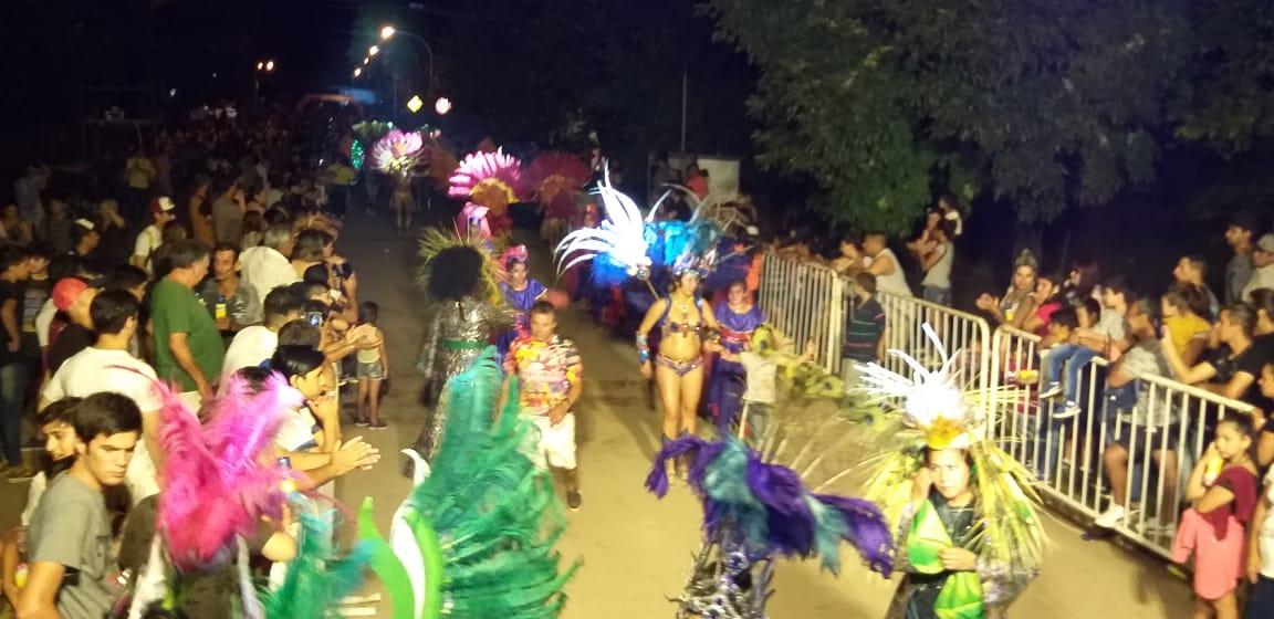 Lima baila al ritmo del carnaval