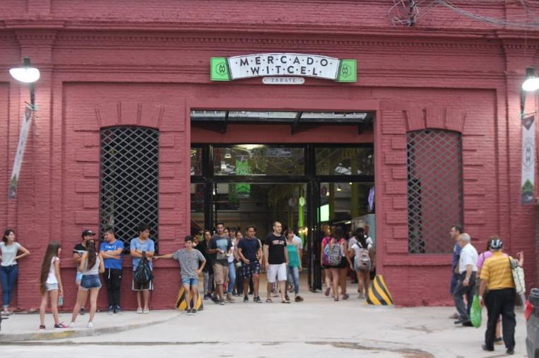 El Municipio cerró el año con una gran fiesta popular y la inauguración del Mercado Witcel