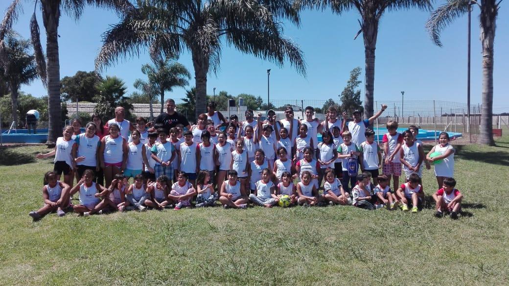Más de 100 chicos disfrutan de la Colonia Municipal en Lima