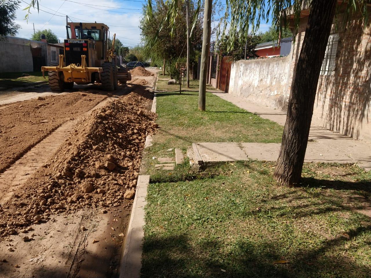 El Municipio suma calles con asfalto en Pecorena