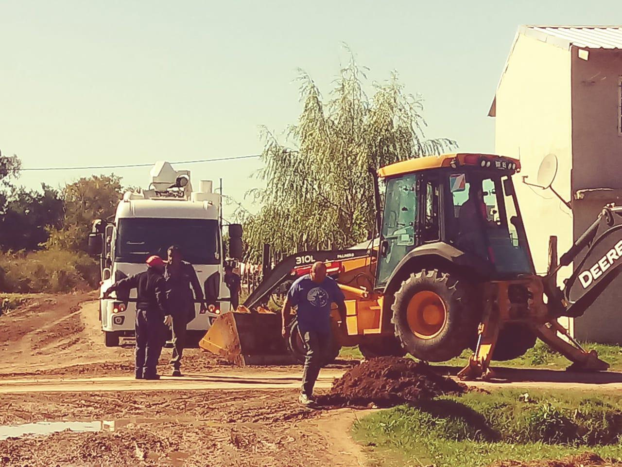 Programa Mi Barrio: zanjeo en el barrio Azcárate y limpieza en María Auxiliadora