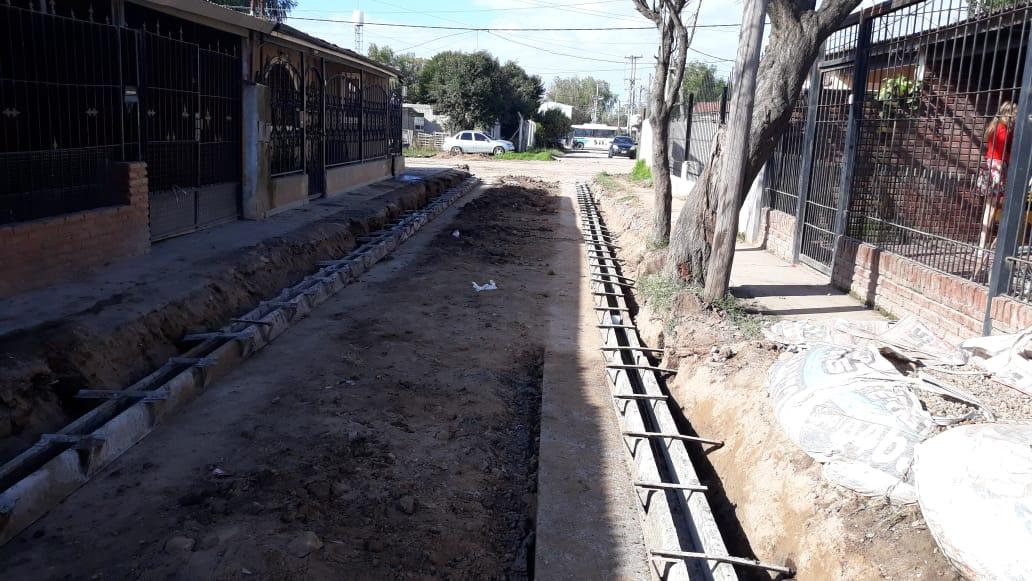 Municipio avanza con obras de cordón cuneta en diferentes puntos de la ciudad