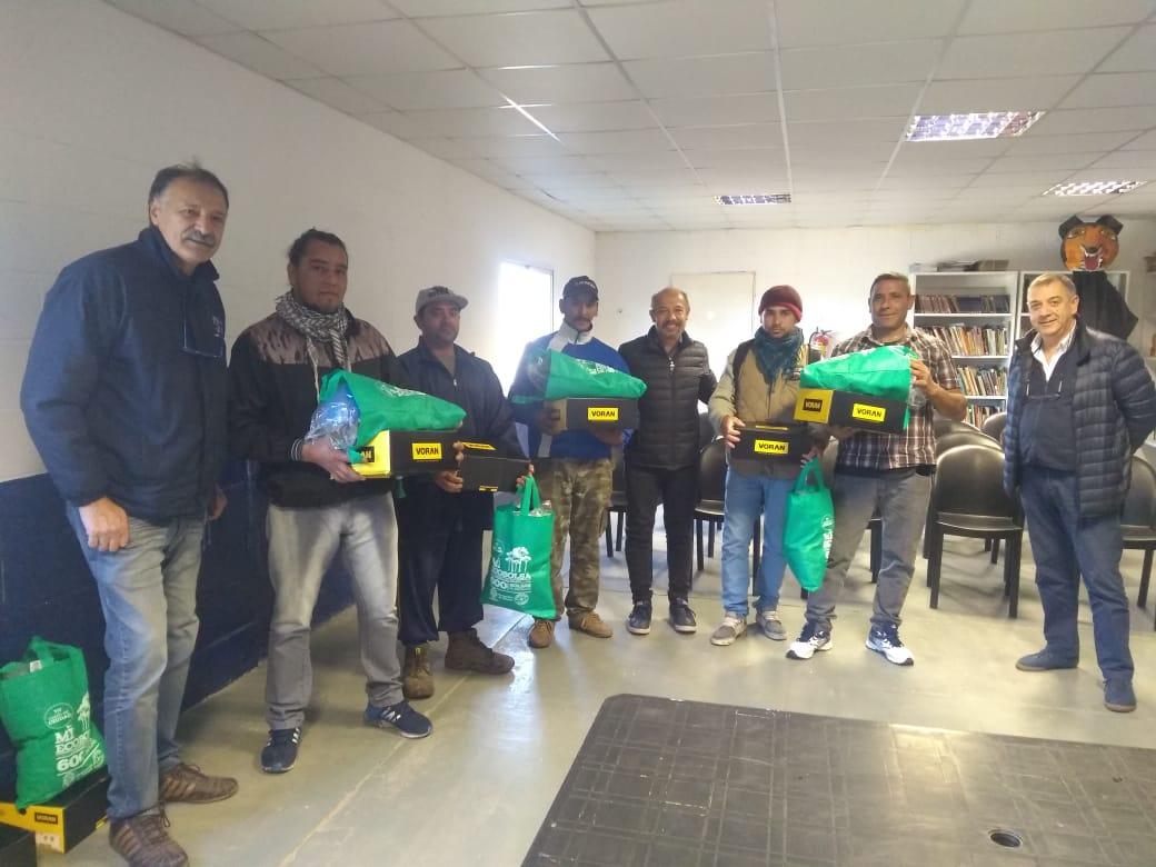 Municipio entregó ropa de trabajo a la cooperativa La Esperanza