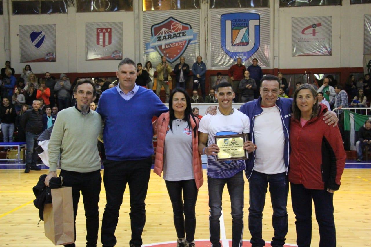 El Municipio distinguió al atleta Hernán Barreto