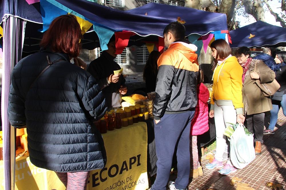 Se desarrolló el Mercado Popular Itinerante en la Plaza Italia
