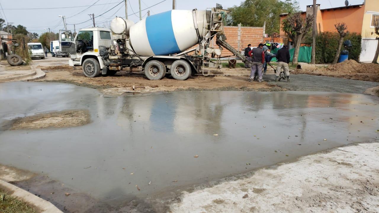 Continúa la pavimentación en calles de Lima