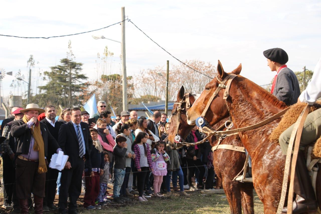 Cáffaro encabezó los festejos del 9 de Julio en Escalada