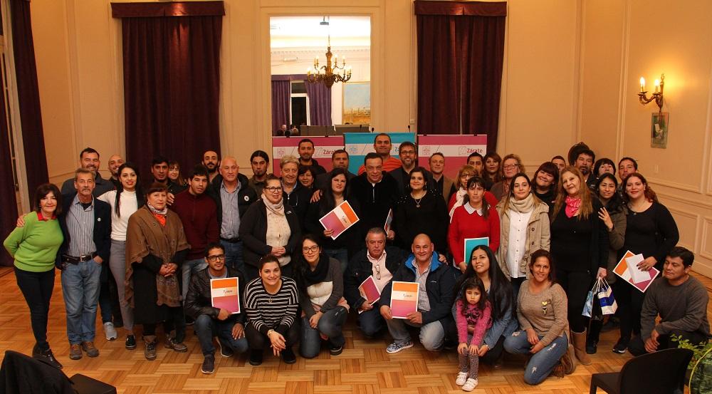 """Municipio entregó pre-adjudicaciones de lotes a la Asociación """"La Esperanza"""""""