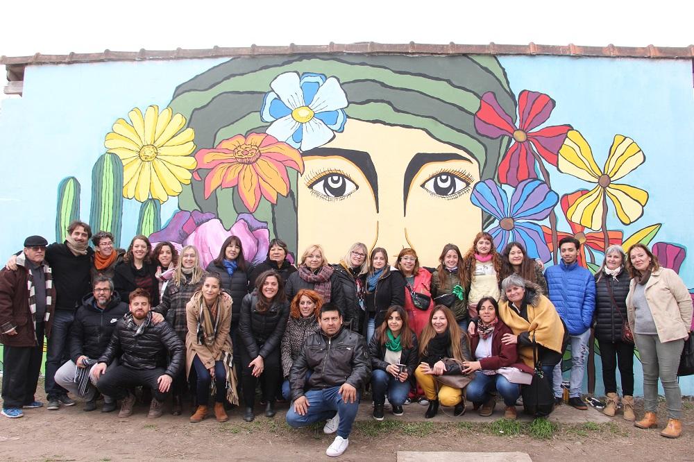 El barrio Artesanía ya tiene su mural en homenaje a la mujer
