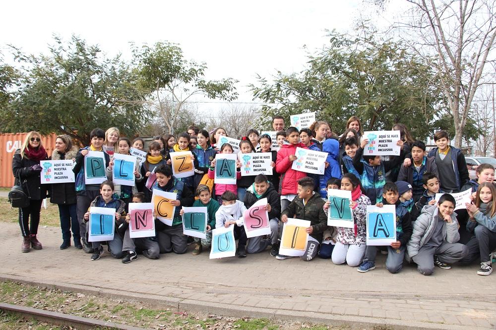 Pensada por los chicos de escuelas primarias, comenzó la obra de la Plaza Integradora en el Parque Urbano