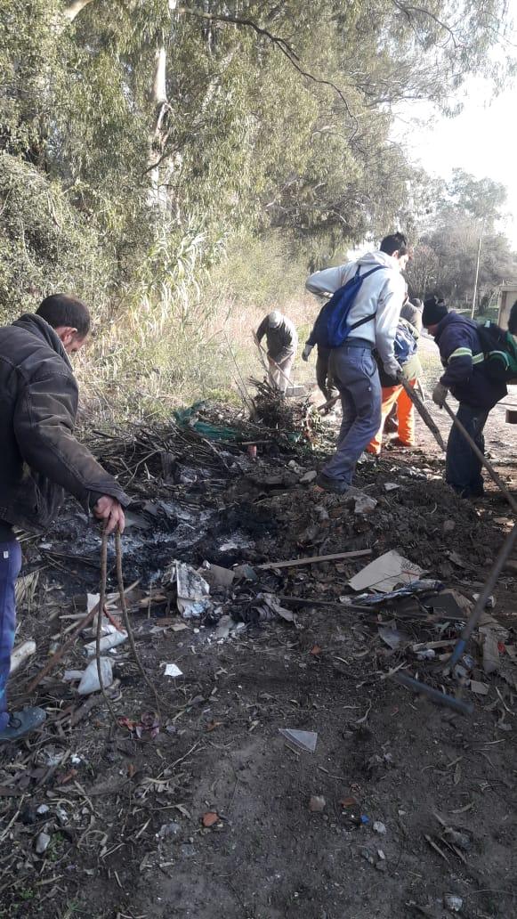 Municipio limpió variosbasuralesclandestinos en el barrio Saavedra