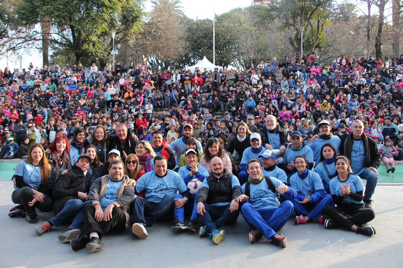 Más de diez mil personas festejaron elDíadelNiño en la Plaza Italia