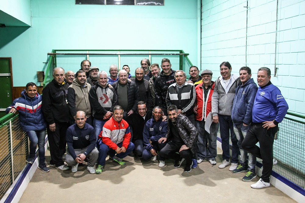 Cáffaro visitó la cancha de bochas del club Pellegrini recientemente reinaugurada