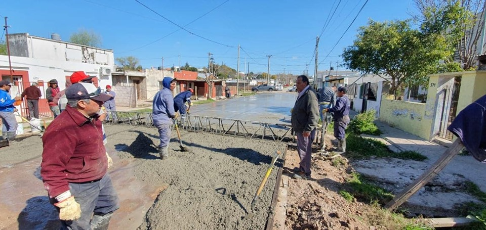 Con obras de pavimentación Villa Angus sigue creciendo